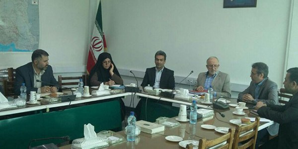 جلسه هیات نظارت بر سازمان های مردم نهاد با حضور مدیر عامل امدادگران همدان